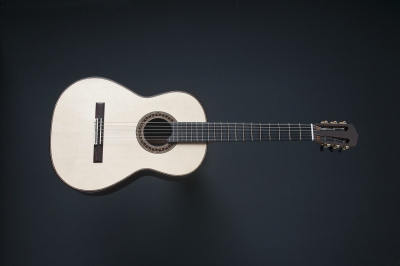 Classical Guitar by Michele Della Giustina | photo: aureliotoscano.com